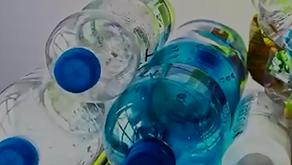 Τήβεννοι φτιαγμένοι από ανακυκλώσιμα υλικά!