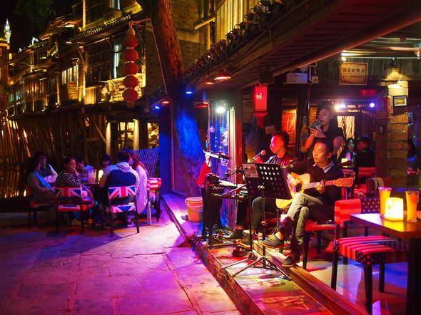 03. Fenghuang, China - Live Music.JPG