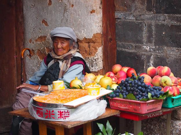 08. Lijiang, China - Fruit Stall.JPG