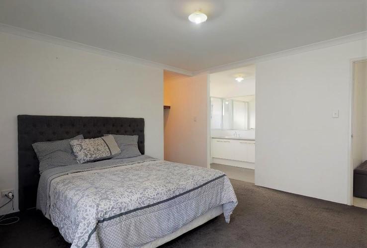 64-Sebastian-Crescent-MasterBedroom(2).j