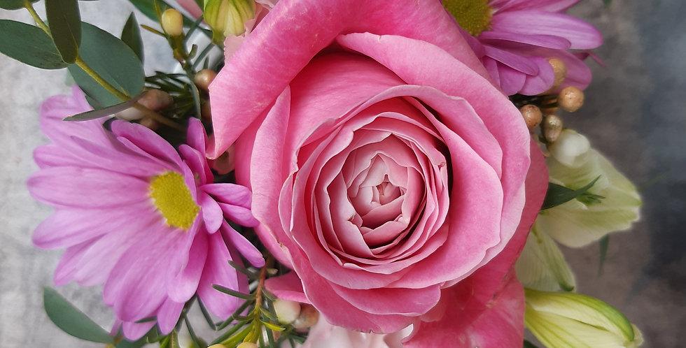 Arrangement d'une rose all 4 love et fleurs de saison - Rivieraflor Livraison Genève