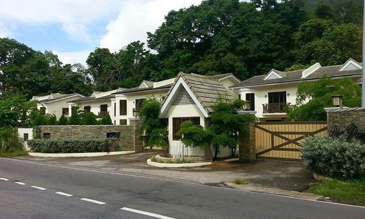 St. Joseph, Royal Park Estate - 3 Bedroom - $2.4m