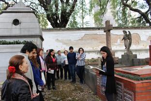 Contação no Cemitério