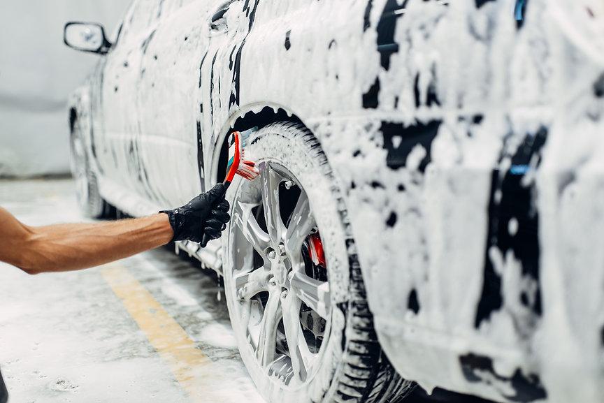 carwash service washing of wheels
