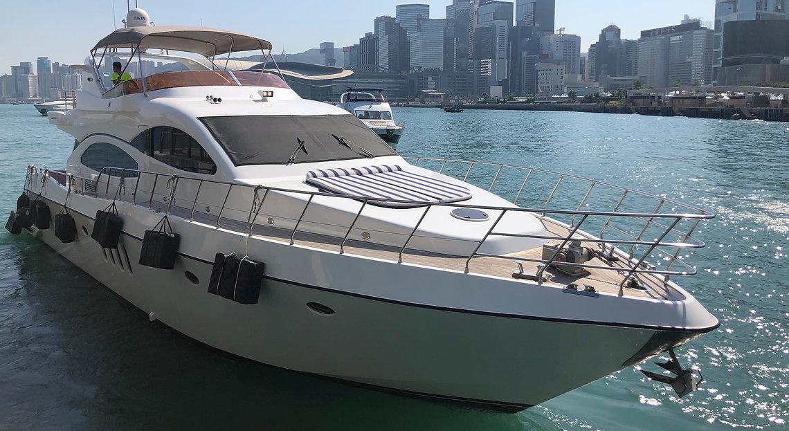 Luxe Azimut Luxury Cruiser.jpg