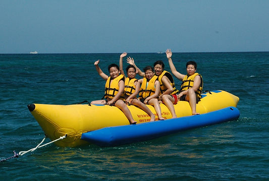 banana boat Hong Kong yachting.JPG
