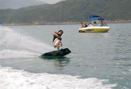 Wakeboarding Hong Kong Yachting.jpg
