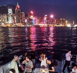 Hong Kong Yachting_Harbor Wine Cruise1.j