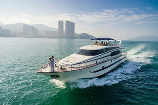 Chloe 20-person Cruiser Boat