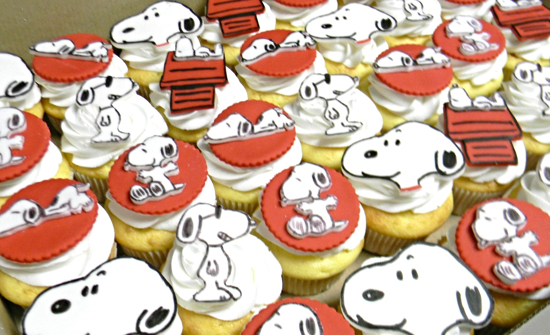 Snoopy Cupcakes