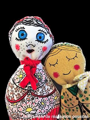 Deux poupées en tissu réalisé avec le kit créatif DIY de la marque Bo'kit