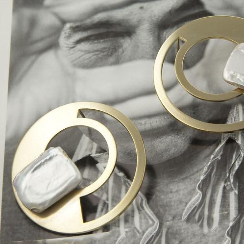 簡單美學 手工鑄造鈦耳飾
