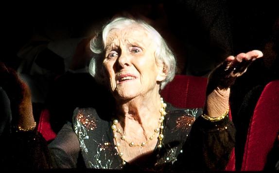 """26/06/2012 - Mireille Meley, émue après la première de """"Locksley"""""""