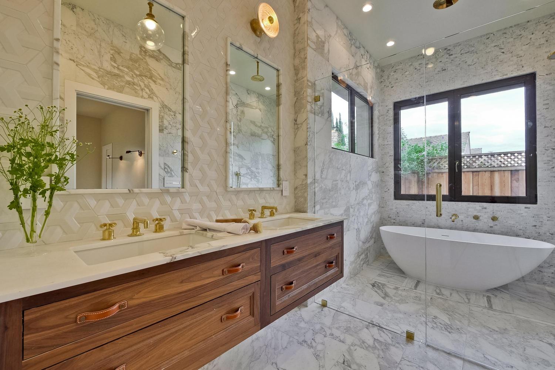 9-16-003 - Owners Bath
