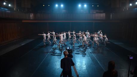 Scottish Ballet dance on set for Tremble