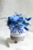 20200205 經典藍圓形三腳桌花-1-15.jpg
