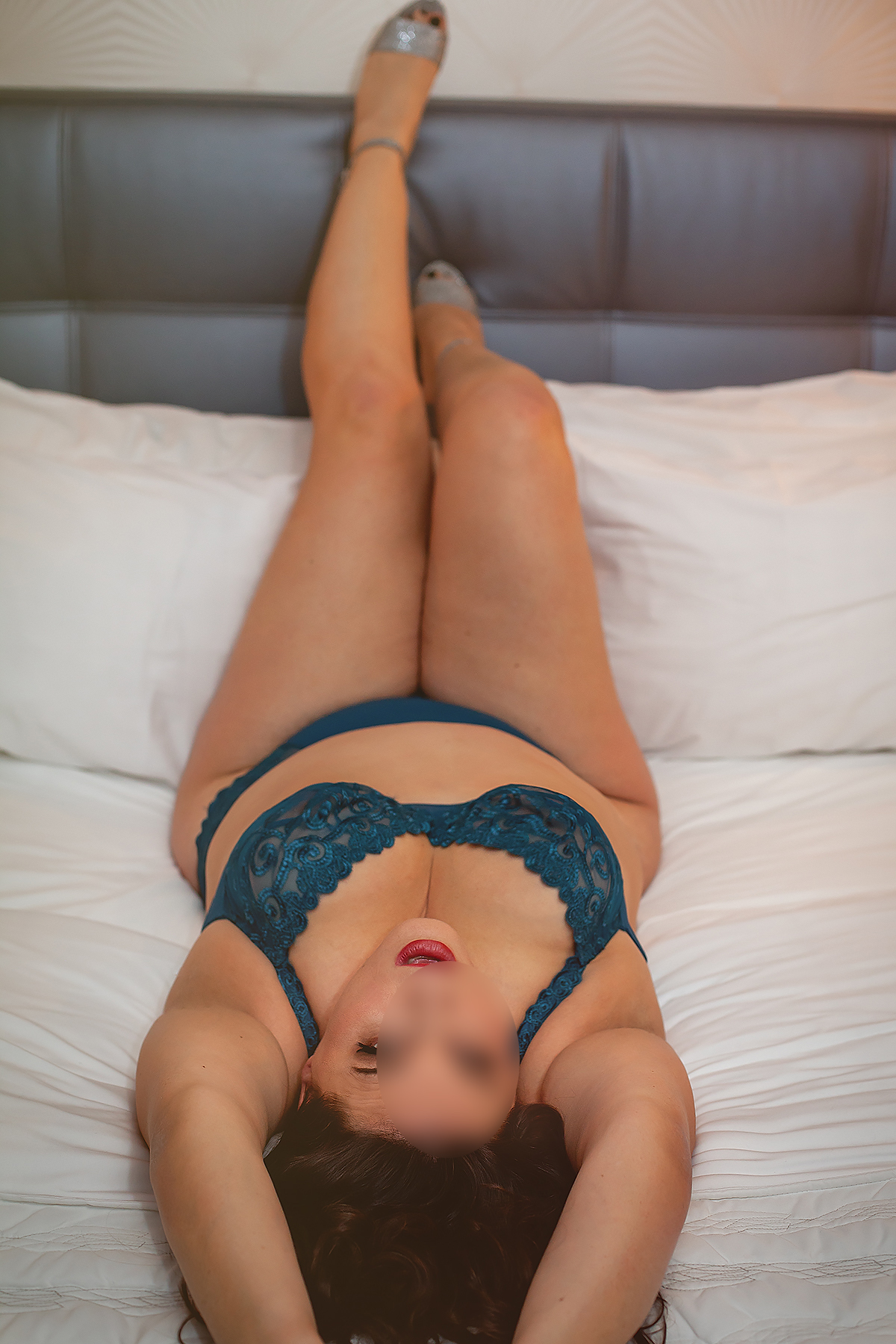 Montreal mature Escort