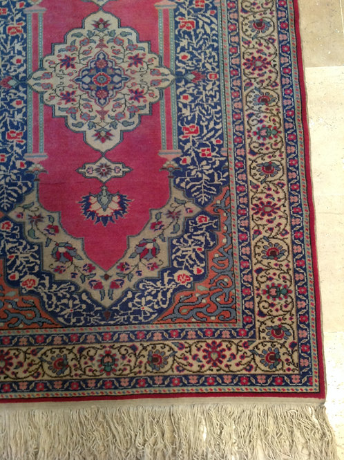OLD CARPET 2418
