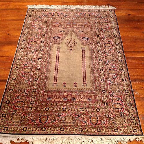 OLD CARPET 3327