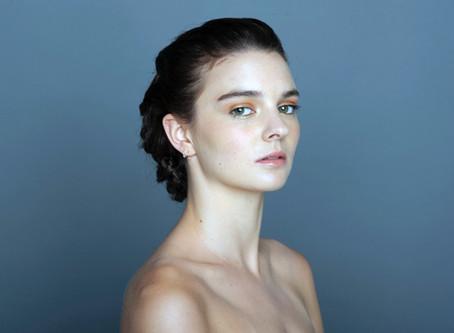 Daniela Santander: Maquillaje inspirado en pieles iluminadas