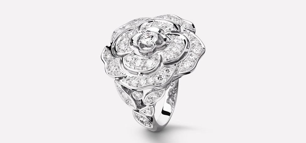 Camélia Chanel ring