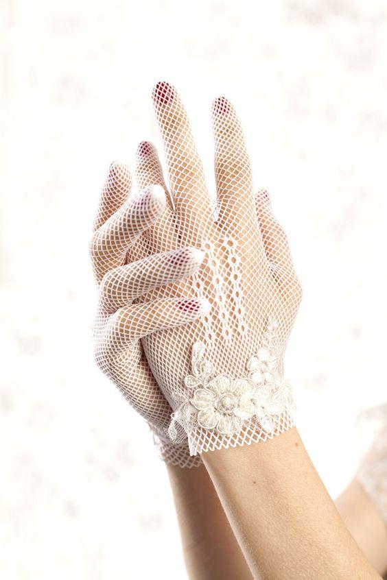 Novias con guantes
