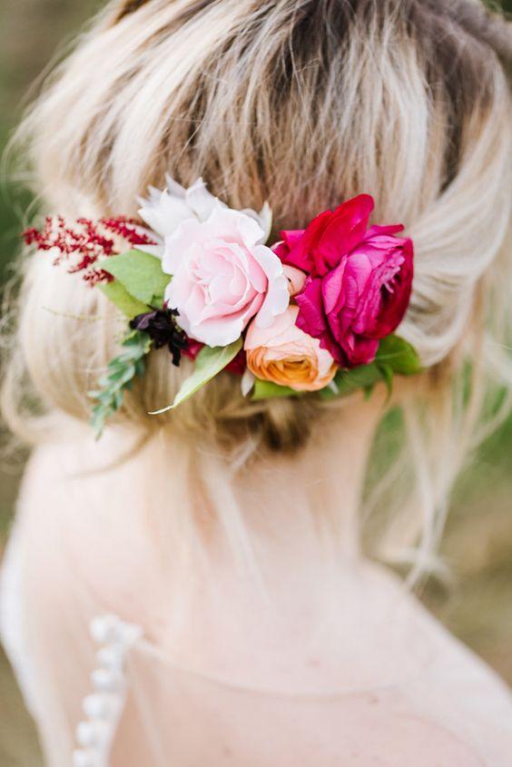 Lleva el flower power a tu peinado