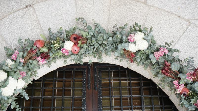 Arco de flores iglesia