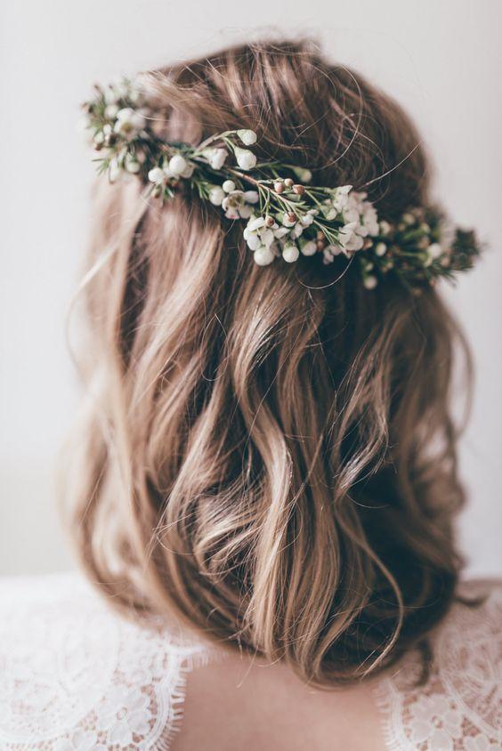 Corona de flores en vez de velo