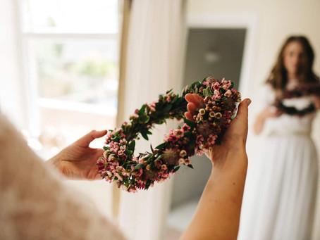 Corona de flores: Sigue siendo el complemento perfecto
