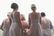 Tocados para invitadas según la estética del matrimonio