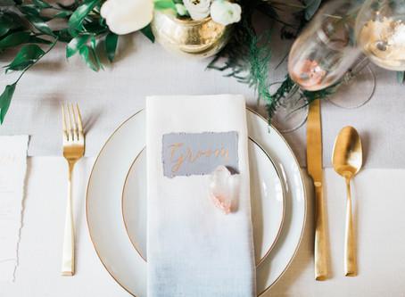 Dale un toque gold a los cubiertos en tu matrimonio