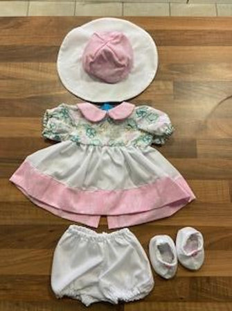 Me-to-you Pink and White 4 Piece Dolly Set