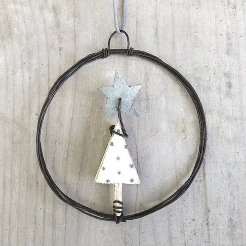 East of India Small Hanging Metal Wreath - Christmas Tree