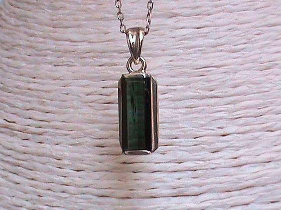 Pendentif sans chaîne argent 925 pierre tourmaline verte.