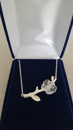 Pendentif avec chaîne argent 925 fleur cristal de roche