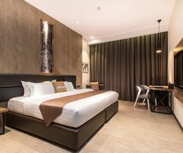 Iconic Hotel room iii.jpg