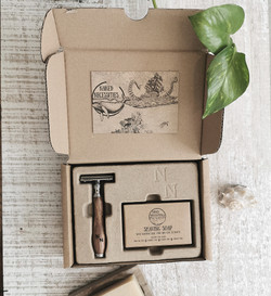 The Naked Shave Kit Brown