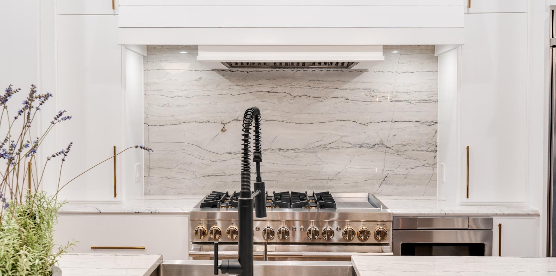 2620 NW Grand Blvd Kitchen Details