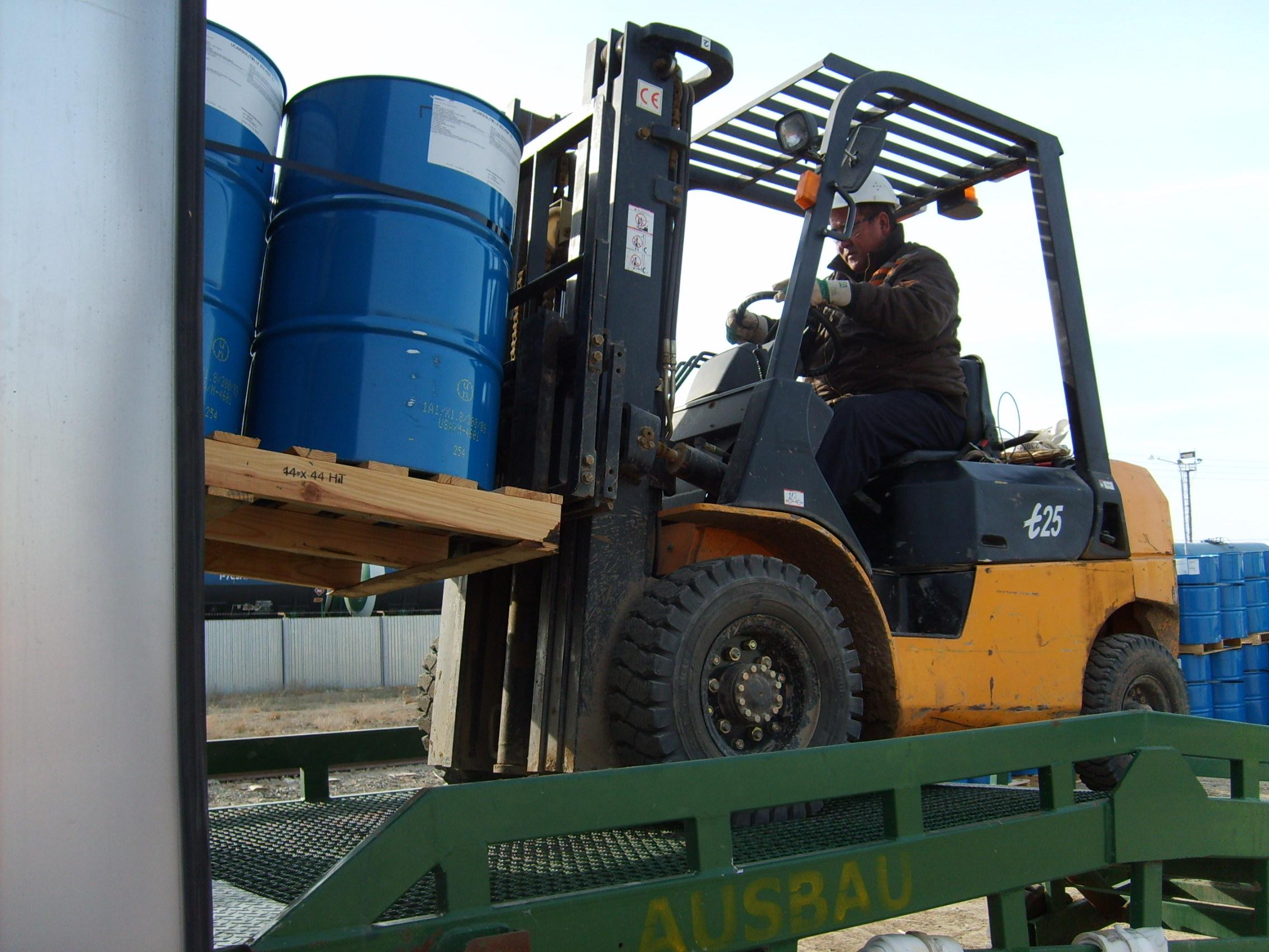 Forklift loading barrels
