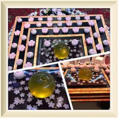 お題は月とうさぎと桜の和菓子入刀.jpg