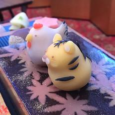 結婚式の和菓子入刀.jpg