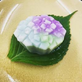 練り切り製 紫陽花.jpg
