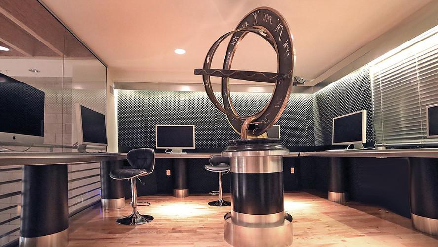 3rd fl desk rental_edit_fx rm-4web.jpg