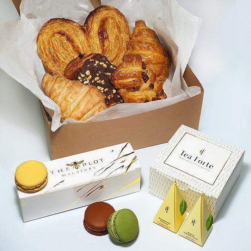 DELUXE PASTRY BOX
