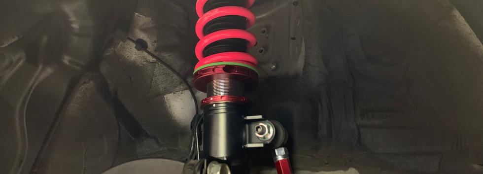 51プリウス車高調-③ フロント取付セッティング