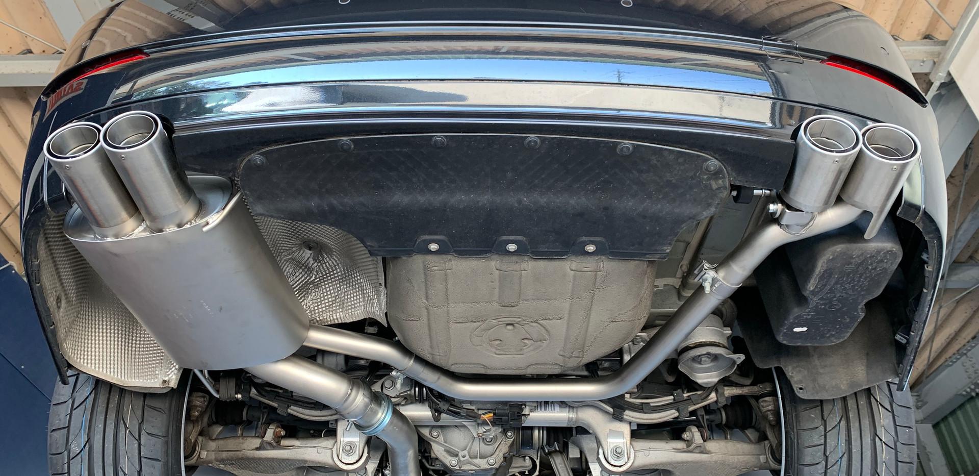 BMW 523i F10 REMUSマフラー加工取付