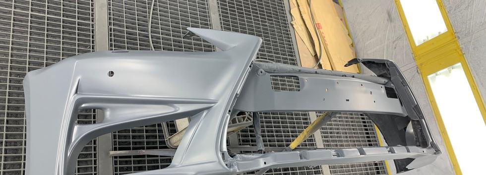 10系レクサスGS-① スピンドルグリル仕様バンパー下処理