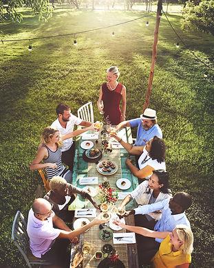 al fresco group meal.jpg