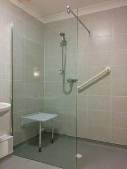 18 bathroom03